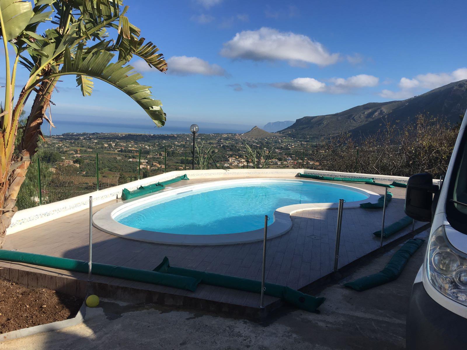 Piscina a fagiolo 8x4 piscine foto lavori realizzati piscine saune spa trapani palermo - Piscina a fagiolo ...